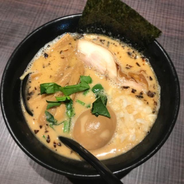 鶏がら屋のコク玉鶏らー麺